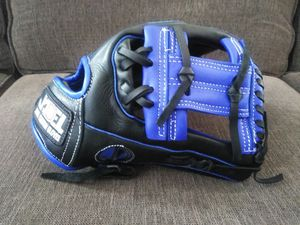 Baseball glove for Sale in Downey, CA