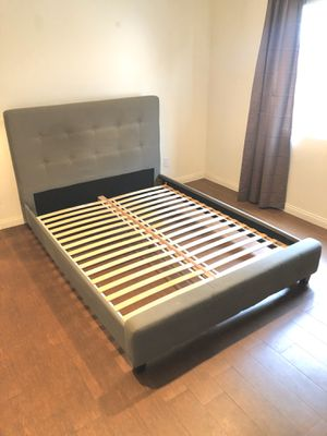 WORLD MARKET - Grey Tufted Mid-Century Queen Bed for Sale in Los Angeles, CA