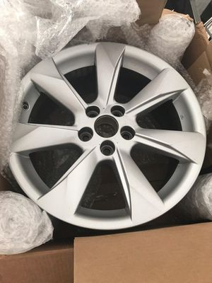"4 (Four) 18"" LEXUS RX350 RX350 OEM Factory Original Wheel Rim - $400 for Sale in Fresno, CA"