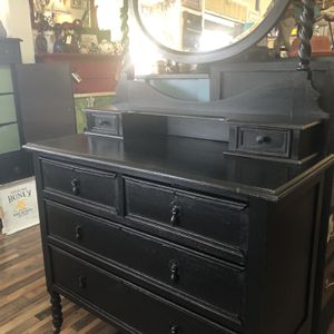 Black Dresser With Mirror for Sale in University Place, WA