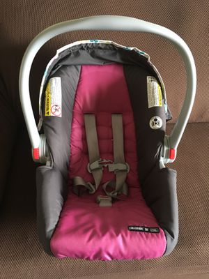 GRACO snug ride click connect travel system for Sale in Warner Robins, GA