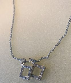Gorgeous Shiny Silver Necklace for Sale in Bristow,  VA