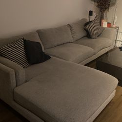 Sectional Couch For Sale $250 for Sale in Costa Mesa,  CA