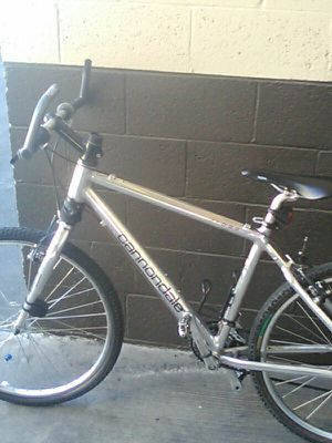 Cannondale all chrome mountain bike for Sale in Las Vegas, NV