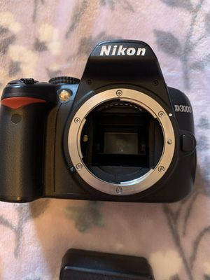 Nikon D3000 body with battery & charger for Sale in Phoenix, AZ