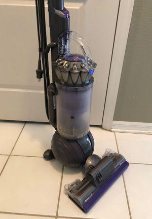 Dyson ball animal 2 upright vacuum for Sale in Orlando, FL