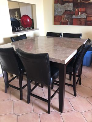 Dining set with six chairs for Sale in Hialeah, FL