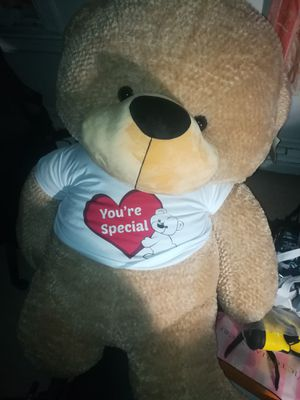 Giant teddy bear 6 ft. Tag still on for Sale in Brooklyn, NY