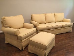 Thomasville sofa and matching oversized chair and ottoman for Sale in Alexandria, VA