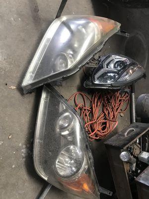2009 Honda Odyssey headlights for Sale in Houston, TX