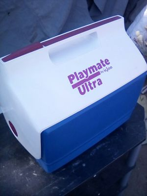 Playmate Ultra by Igloo Lunch Cooler for Sale in Lake Elsinore, CA