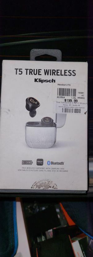 Klipsch t5 true wireless headphones /eaebuds for Sale in Corona, CA