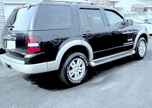 Low miles O7 ford explorer eddie bauer for Sale in Los Angeles, CA