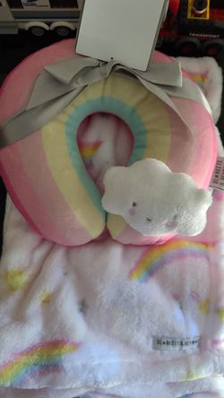 Baby blanket and neck pillow for Sale in Tampa,  FL