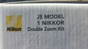 Nikon J5 Double zoom kit for Sale in Phoenix, AZ