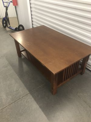 Table - coffee table $100 - solid - heavy - broyhill for Sale in Raleigh, NC