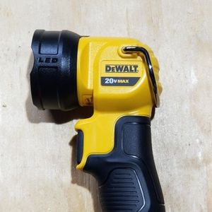 Dewalt 20v Max LED Work light (Bare Tool) for Sale in Peoria, IL