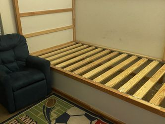 Bed Frame And Carpet for Sale in Tampa,  FL