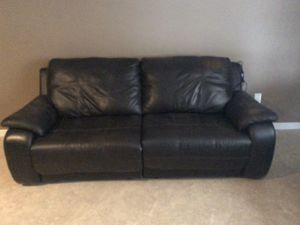 Black sectional couch for Sale in Manalapan Township, NJ