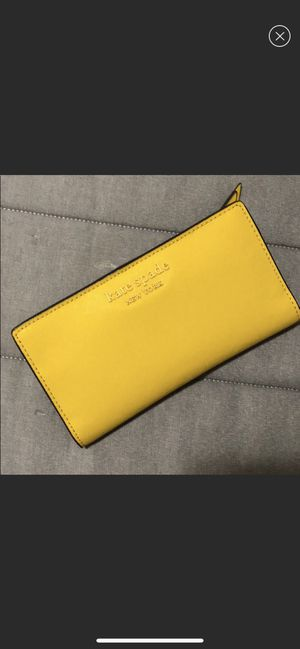 Yellow Kate Spade Wallet for Sale in Richmond, CA
