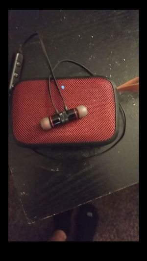 Bluetooth speaker and earbuds with charger $20 for Sale in Chula Vista, CA