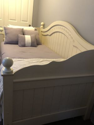 Twin daybed + bed frame for Sale in Lynnwood, WA