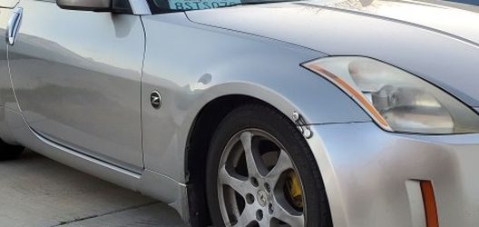 2005 350z Convertible for Sale in Lake Hughes,  CA