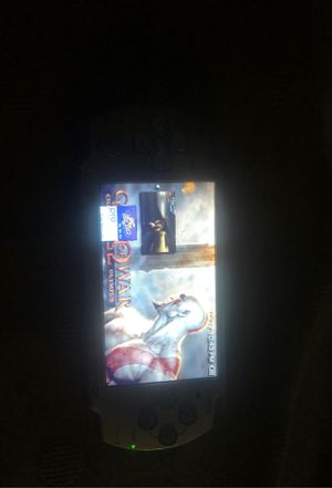 PSP Slim 2000 Silver with emulators and games for Sale in Los Angeles, CA