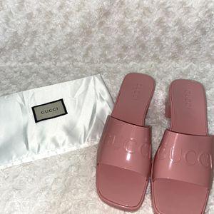 Gucci Women Rubber Slide Sandals for Sale in Lathrop, CA