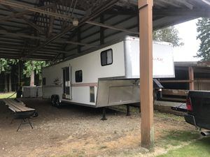 Work and play toyhauler for Sale in Bonney Lake, WA