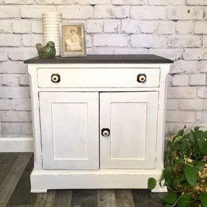 Vintage washstand for Sale in Catonsville, MD