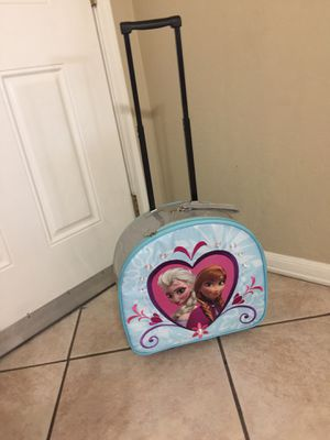 suitcase for girl ana and elsa excellent condition for Sale in Glendale, AZ
