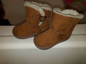 Girl boots size 5 for Sale in Spring Lake, NC