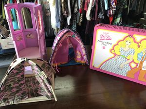 Vintage Barbies/Case and Many Accessories for Sale in Circleville, OH