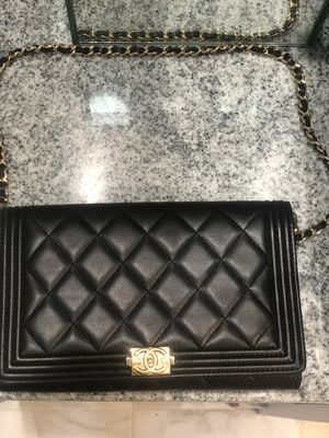 Chanel shoulder chain bag for Sale in Kent, WA