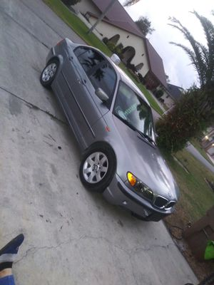 2004 BMW trade for a nice looking honda for Sale in Lehigh Acres, FL