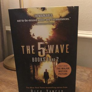 The 5th Wave, Books 1 & 2 for Sale in Beverly Hills, CA