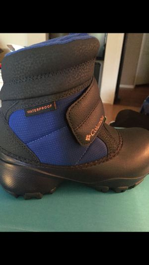 Boys waterproof snow boots size 13(new) for Sale in Montebello, CA