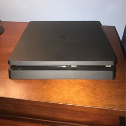 Ps4 black for Sale in Lehigh Acres,  FL