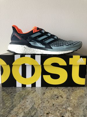 Mens Adidas Energy Boost. Collegiate Navy/Ash Grey/Solar Sz 10.5 US Style CP9540 for Sale in Nashville, TN