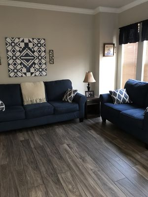 Couch, loveseat, end tables, lamp , decorative pillows and matching canvas $500 Excellent condition it has just been decor for a room in the house we for Sale in Nokesville, VA