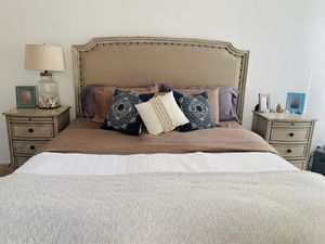 Demarlos Cal King Bedroom Suite- 6 months old gently used for Sale in Irvine, CA