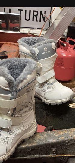 Women's Snow Boots 8.5 Airwalk for Sale in Monroe Township,  NJ