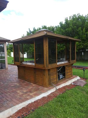 Hot tub for Sale in Cape Coral, FL