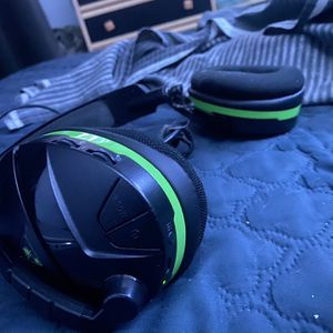 Head Phone Bluetooth Xbox for Sale in Hialeah, FL