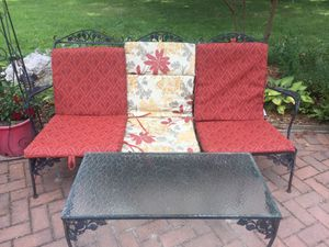 Iron furniture outdoor 2pic for Sale in Sterling, VA