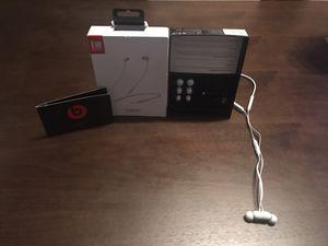 BeatsX Wireless Headphones in White - Make Offer!!! for Sale in Paradise Valley, AZ