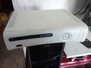 Xbox 360 with all cords for Sale in Washington, DC