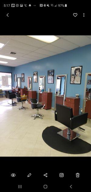 3 estacione de peluqueria con su rolera incluida for Sale in Port St. Lucie, FL