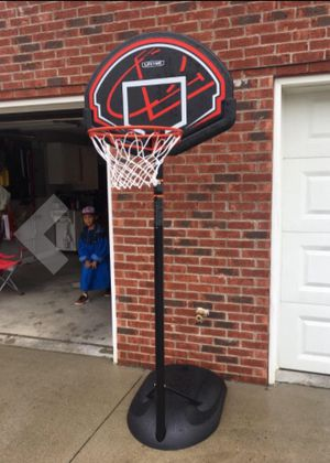 New!! Youth basketball hoop, portable basketball hoop for Sale in Phoenix, AZ